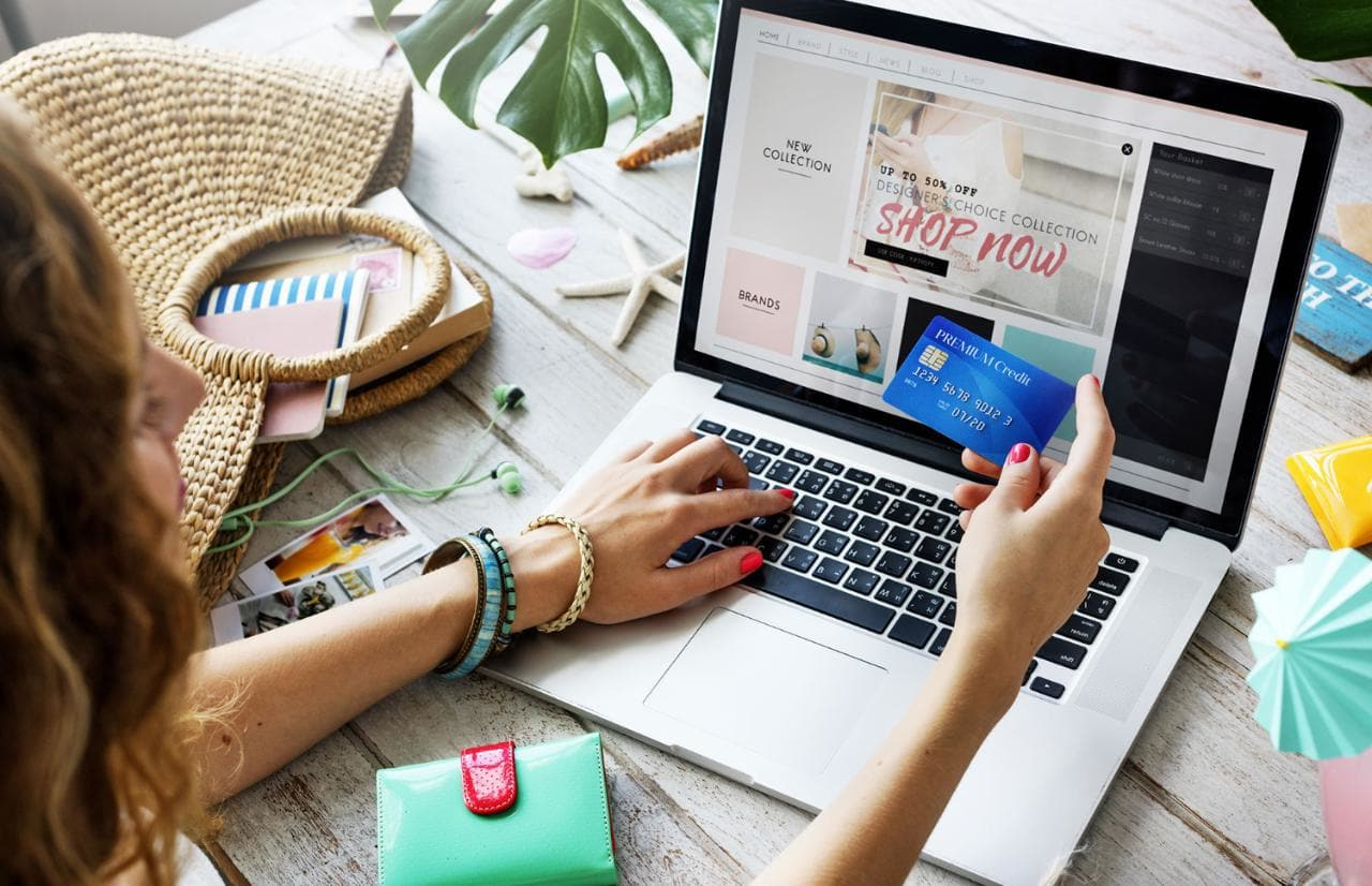 6 Smart Ways of Shopping Online With Safety & Security