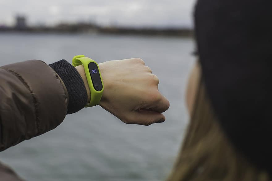 Find the best fitness trackers and features that help you manage proper health